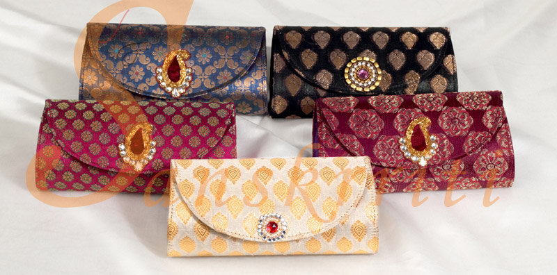 BAGS & CLUTCHES